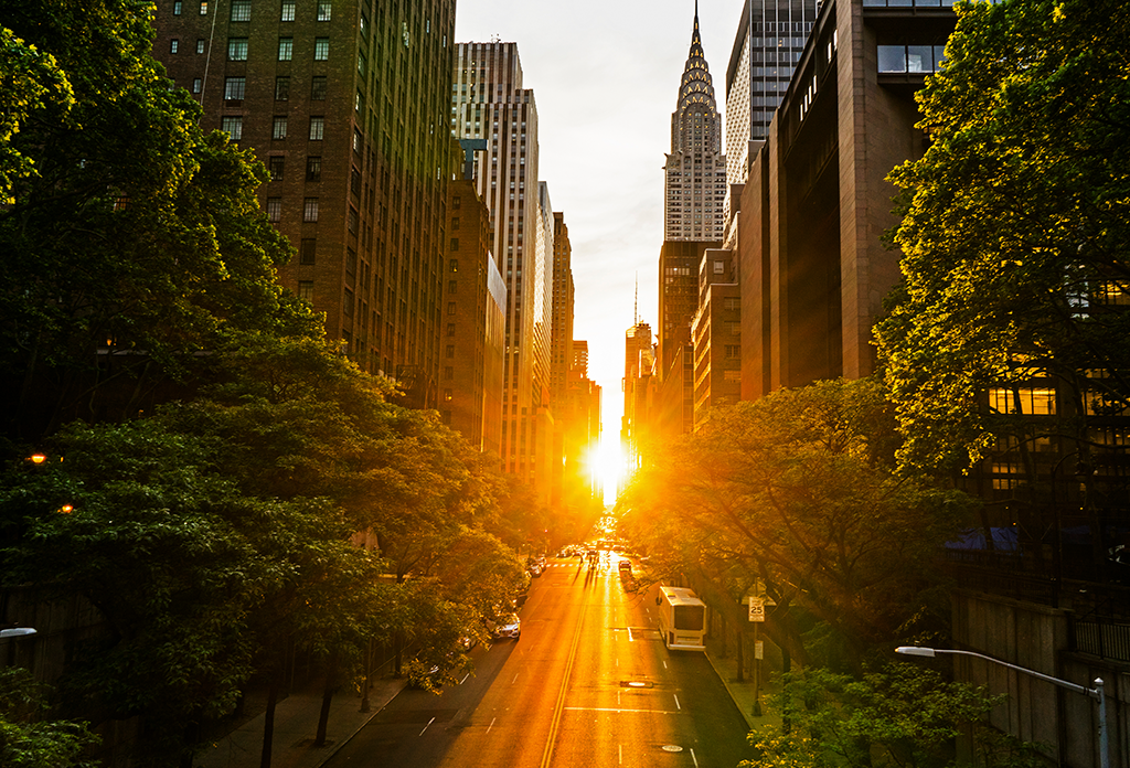 The Manhattanhenge Looking West Along 42nd Street